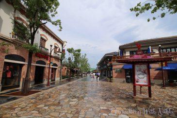 ShanghaiDisneytown20