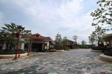 ShanghaiDisneytown22